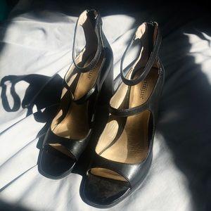 Seychelles Black Heels